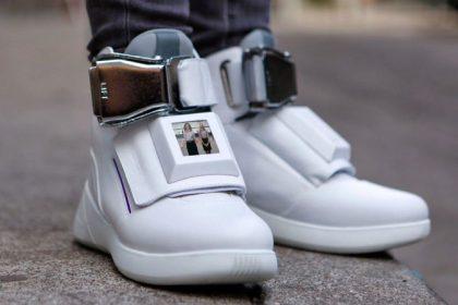 รองเท้าอะไรเหมือนกำลังบินบนชั้นเฟิร์สคลาส? นี่ไง Virgin America's First Class sneakers