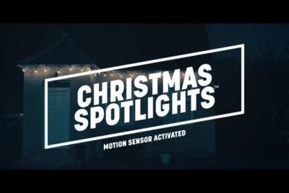 ไอเดียเก๋... Christmas spotlights ไฟประดับวันคริสต์มาสใช้จับขโมยได้