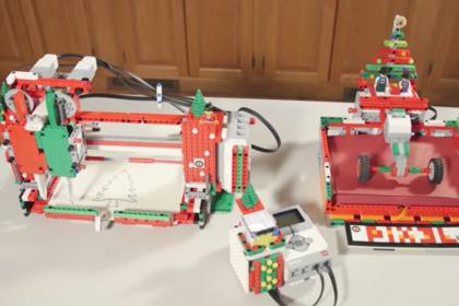 โรงงานผลิตการ์ดคริสต์มาสจิ๋วสไตล์ Lego